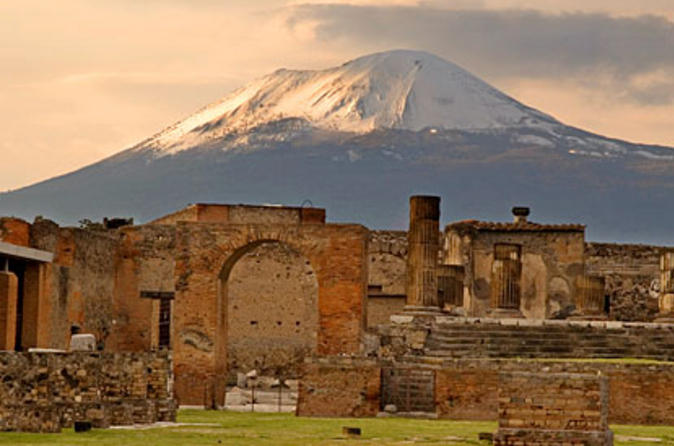 P is for Pompeii - Places I Dream of Seeing! (4/6)