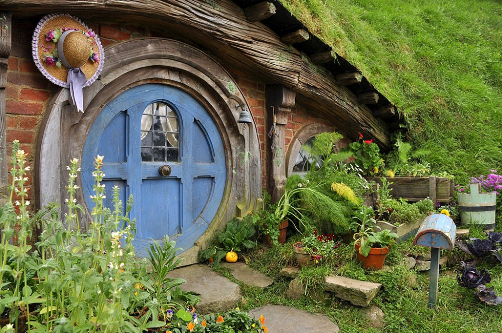 H is for Hobbiton - Places I Dream of Seeing. (3/5)